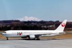 菊池 正人さんが、女満別空港で撮影した日本航空 767-346の航空フォト(写真)