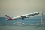 reonさんが、香港国際空港で撮影したアメリカン航空 777-323/ERの航空フォト(写真)
