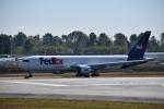 romyさんが、ペインフィールド空港で撮影したフェデックス・エクスプレス 767-3S2F/ERの航空フォト(写真)
