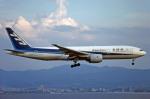 Gambardierさんが、関西国際空港で撮影した全日空 777-281の航空フォト(写真)