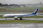 Gambardierさんが、羽田空港で撮影した全日空 777-281の航空フォト(写真)