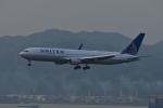 あにいさんが、香港国際空港で撮影したユナイテッド航空 767-322/ERの航空フォト(写真)