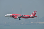 あにいさんが、香港国際空港で撮影したエアアジア A320-216の航空フォト(写真)