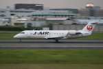 いっとくさんが、伊丹空港で撮影したジェイ・エア CL-600-2B19 Regional Jet CRJ-200ERの航空フォト(写真)