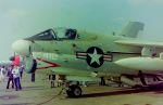 ふるちゃんさんが、厚木飛行場で撮影したアメリカ海軍 A-7 Corsair IIの航空フォト(写真)