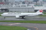 tak✈さんが、福岡空港で撮影した日本航空 767-346/ERの航空フォト(写真)