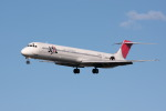 元青森人さんが、仙台空港で撮影した日本航空 MD-81 (DC-9-81)の航空フォト(写真)