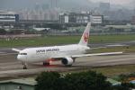 HLeeさんが、台北松山空港で撮影した日本航空 767-346/ERの航空フォト(写真)
