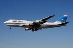 ぼんやりしまちゃんさんが、ロンドン・ヒースロー空港で撮影したクウェート航空 747-469Mの航空フォト(写真)