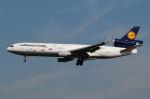 ぼんやりしまちゃんさんが、フランクフルト国際空港で撮影したルフトハンザ・カーゴ MD-11Fの航空フォト(写真)