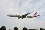 コタちゃんさんが、ロンドン・ヒースロー空港で撮影したアメリカン航空 777-323/ERの航空フォト(写真)