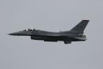 チャッピー・シミズさんが、芦屋基地で撮影したアメリカ空軍 F-16CM-50-CF Fighting Falconの航空フォト(写真)