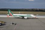 しかばねさんが、フェレンツリスト国際空港で撮影したアリタリア航空 A320-216の航空フォト(写真)