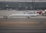 Shotaroさんが、羽田空港で撮影した日本航空 MD-90-30の航空フォト(写真)