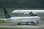CLIP@h.s.さんが、成田国際空港で撮影した全日空 767-381/ERの航空フォト(写真)