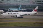 まんぼ しりうすさんが、羽田空港で撮影した日本航空 777-246/ERの航空フォト(写真)