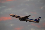 latchさんが、伊丹空港で撮影した日本航空 767-346の航空フォト(写真)