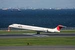 こだま467号さんが、羽田空港で撮影した日本航空 MD-81 (DC-9-81)の航空フォト(写真)