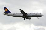 PASSENGERさんが、ロンドン・ヒースロー空港で撮影したルフトハンザドイツ航空 A320-211の航空フォト(写真)