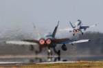 フジコンさんが、横田基地で撮影したアメリカ海兵隊 F/A-18A Hornetの航空フォト(写真)