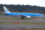 ぽんさんが、成田国際空港で撮影したKLMオランダ航空 777-206/ERの航空フォト(写真)