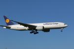 OS52さんが、成田国際空港で撮影したルフトハンザ・カーゴ 777-FBTの航空フォト(写真)