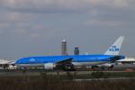 bmwx5さんが、成田国際空港で撮影したKLMオランダ航空 777-206/ERの航空フォト(写真)