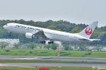 吉田高士さんが、成田国際空港で撮影した日本航空 767-346/ERの航空フォト(写真)