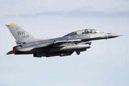 Echo-Kiloさんが、三沢飛行場で撮影したアメリカ空軍 F-16DM-50-CF Fighting Falconの航空フォト(写真)
