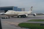職業旅人さんが、香港国際空港で撮影したエティハド航空 747-87UF/SCDの航空フォト(写真)