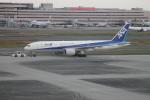 ジャンクさんが、羽田空港で撮影した全日空 777-281/ERの航空フォト(写真)