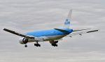アイガーさんが、成田国際空港で撮影したKLMオランダ航空 777-206/ERの航空フォト(写真)