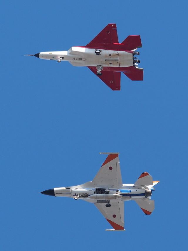 防衛装備庁 Mitsubishi X-2 X-2 岐阜基地 航空フォト | by あずち88さん 撮影2016年11月29日