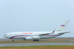 臨時特急7032Mさんが、山口宇部空港で撮影したロシア航空 Il-96-300の航空フォト(写真)