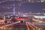 Simeonさんが、伊丹空港で撮影した全日空 737-881の航空フォト(写真)