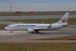 bb212さんが、関西国際空港で撮影した日本航空 737-846の航空フォト(写真)