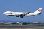 Gambardierさんが、名古屋飛行場で撮影した日本航空 747-146の航空フォト(写真)