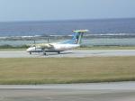 トラフィックナビゲーター・ヨッシーさんが、久米島空港で撮影した琉球エアーコミューター DHC-8-103 Dash 8の航空フォト(写真)