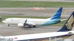 誘喜さんが、シンガポール・チャンギ国際空港で撮影したガルーダ・インドネシア航空 737-8U3の航空フォト(写真)