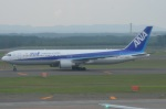 amagoさんが、新千歳空港で撮影した全日空 767-381の航空フォト(写真)