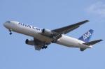 木人さんが、成田国際空港で撮影した全日空 767-381Fの航空フォト(写真)
