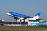 Gambardierさんが、アムステルダム・スキポール国際空港で撮影したbmi A319-131の航空フォト(写真)