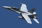 isiさんが、厚木飛行場で撮影したアメリカ海軍 F/A-18D Hornetの航空フォト(写真)
