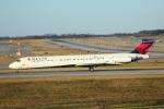 天空の鳩さんが、シンシナティ・ノーザンケンタッキー国際空港で撮影したデルタ航空 MD-88の航空フォト(写真)