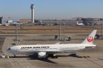 ぽんさんが、羽田空港で撮影した日本航空 777-246/ERの航空フォト(写真)