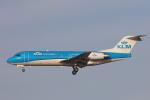 安芸あすかさんが、ロンドン・ヒースロー空港で撮影したKLMシティホッパー 70の航空フォト(写真)