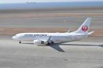 とっちさんが、中部国際空港で撮影した日本航空 737-846の航空フォト(写真)