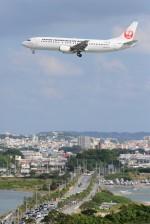 B747‐400さんが、那覇空港で撮影した日本トランスオーシャン航空 737-446の航空フォト(写真)