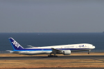 non-nonさんが、羽田空港で撮影した全日空 777-381/ERの航空フォト(写真)