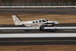 ぽんさんが、高松空港で撮影した法人所有 Baron G58の航空フォト(写真)